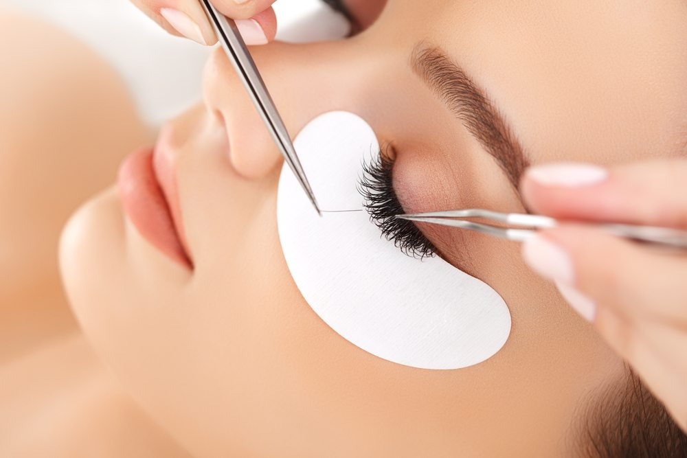 eyelash-extensions-renu180-medspa-southington-ct